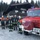 Mit ihrem Unimog mit aufgezogenen Schneeketten gelangt die Feuerwehr Schwangau auch im Winter bis Hoch zur Rohrkopfhütte